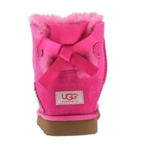 1ea028811b0 🔥HP🔥NWOT UGG Bailey Bow Mini Cerice Pink Booties